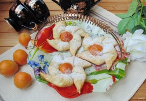 Слойки с абрикосами - фото шаг 7