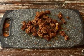 Салат с языком и сухариками - фото шаг 3