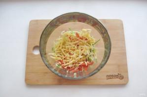 Салат с курицей и картофельной соломкой - фото шаг 8