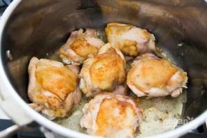 Курица с луком в пиве - фото шаг 1