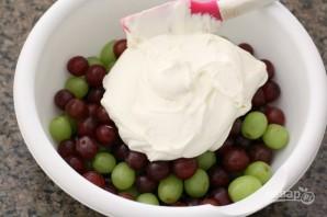 Салат с виноградом - фото шаг 2