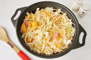 Тушеная капуста с картошкой и колбасой - фото шаг 8