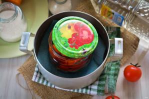 Сладкие помидоры с луком на зиму - фото шаг 6