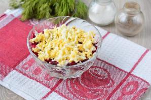 Салат с консервированной сайрой и яйцами - фото шаг 8