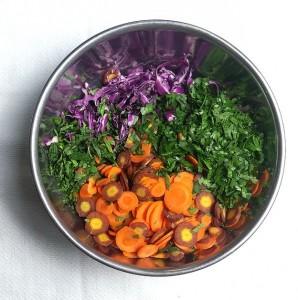 Салат из свежей капусты с уксусом - фото шаг 2