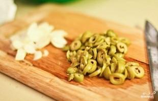 Паста с фисташками и оливками - фото шаг 1