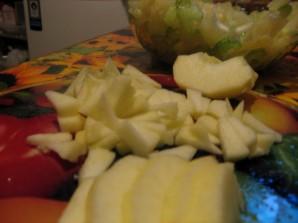 Салат с сельдереем и с ананасом - фото шаг 4