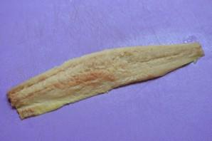 Рулетики из сельди в маринаде - фото шаг 2