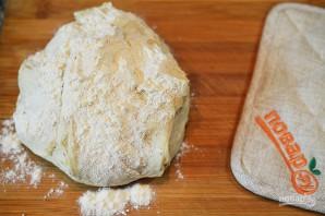Сырный хлеб с маслинами и помидорами черри - фото шаг 2