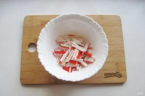 Салат с дайконом и крабовыми палочками - фото шаг 2