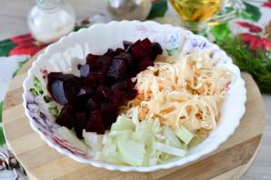 Салат из свеклы и квашеной капусты - фото шаг 7