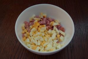 Салат с сыром и сухариками - фото шаг 3
