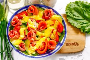 Салат из авокадо и красной рыбы - фото шаг 4