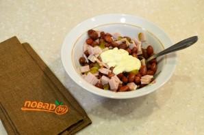 Фасолевый салат с сухариками - фото шаг 4