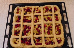 Пирог из пирожкового теста с яблоками - фото шаг 10