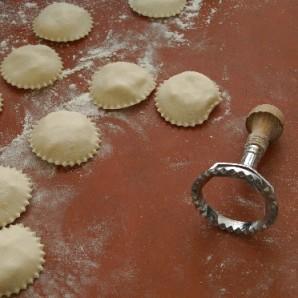 Пирожки с сыром и медом - фото шаг 8