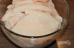 "Салат ""Кальмары с яйцом"" - фото шаг 1"