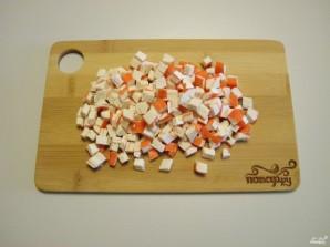 Салат из крабовых палочек и печени трески - фото шаг 4
