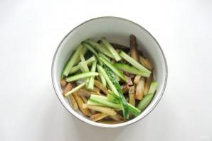 Салат из баклажанов и огурцов - фото шаг 5