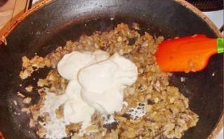 Фрикадельки в грибном соусе - фото шаг 2