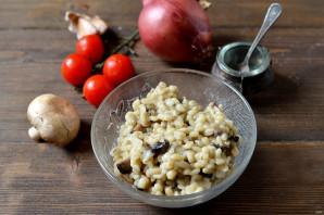 Вкусная перловка с грибами и луком - фото шаг 5