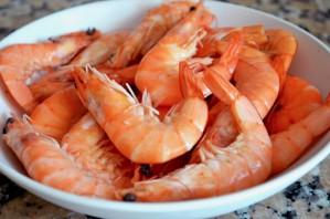 Салаты с рыбой и морепродуктами - фото шаг 4