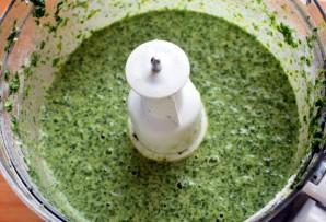 Зеленый рулет с креветками и болгарским перцем - фото шаг 2