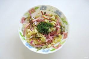 Картофельный салат с колбасой - фото шаг 6