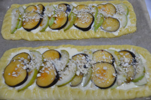 Пирог с грушами и сливами - фото шаг 12