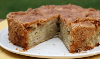 Наливной пирог с яблоками - фото шаг 6