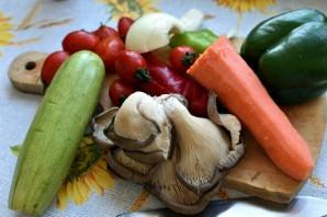 Свинина с вешенками и овощами - фото шаг 1