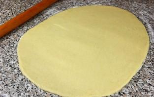 Дрожжевые пирожки с творогом - фото шаг 6