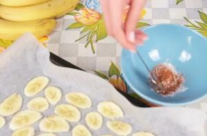 Банановые чипсы (сушеные бананы с корицей) - фото шаг 2