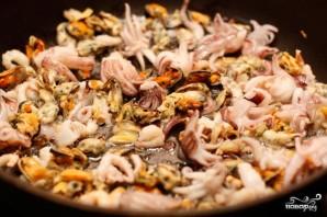 Паэлья с морепродуктами - фото шаг 3