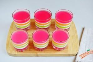 Слоеное желе в стаканчиках - фото шаг 6