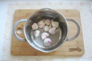 Маринованный чеснок со свеклой - фото шаг 3