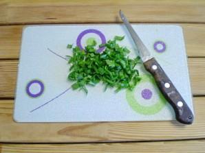 Салат с огурцом и кукурузой - фото шаг 4