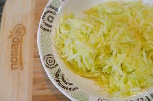 Кабачковые оладьи с творогом и сыром  - фото шаг 1