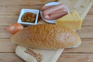 Хлебный ёжик с сосисками и сыром - фото шаг 1