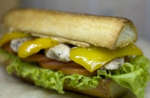 Сэндвич в багете - фото шаг 6