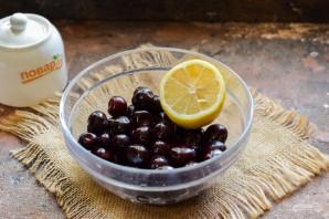 Компот из черешни с лимоном на зиму - фото шаг 1