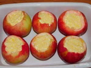 Запеченные яблоки с творожной начинкой - фото шаг 3