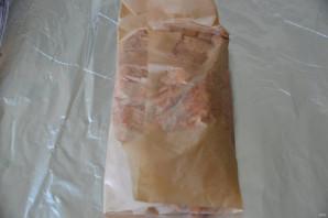 Свиной окорок, запеченный в духовке в фольге - фото шаг 6
