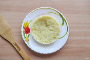 Слоеный салат с копченой горбушей - фото шаг 2