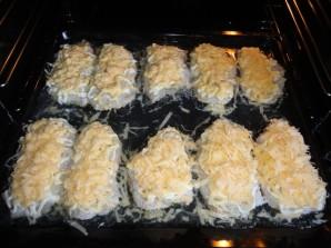 Мясо по-французски с луком и сыром - фото шаг 6