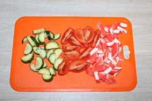 Крабовый салат с салатом айсберг - фото шаг 4