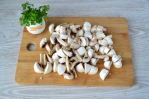 Бедра с грибами в духовке - фото шаг 3