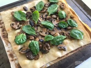 Пицца с луком и шампиньонами - фото шаг 4