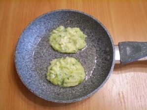 Капустные оладьи с манкой - фото шаг 10