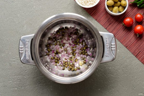 Рис с каперсами, оливками и кетчупом - фото шаг 2